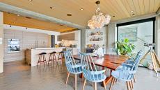 intérieur mobilier minimaliste rustique luxe maison à louer