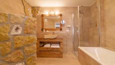 salle de bain déco rustique pierre