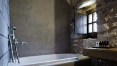 bâtisse ancienne transformée en hôtel