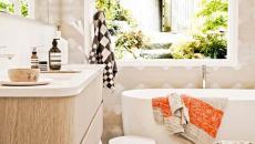 salle de bain déco pouf rond tressé
