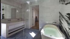 salle de bain rénovée maison en travaux