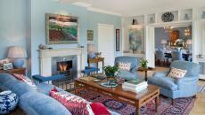 beau séjour design intérieur déco en bleu et rouge
