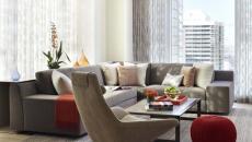 séjour luxe appartement de ville pouf rond