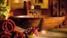 salle de bain luxe baignoire en bois