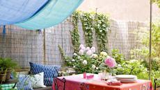 belle terrasse décorée tapis & voiles