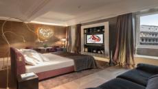 suite de luxe face colisee hotel palace Rome