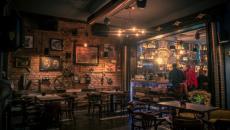 bar au design intérieur en roumanie