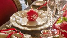 dresser jolie table de Noël vaisselle déco