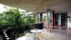 terrasse balcon maison écologique forêt