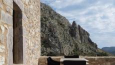 terrasse en pierre bâtisse ancienne