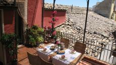 ambiance vacances design terrasse rustique avec vue