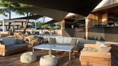 hotel bar lounge la plage vacances en corse porto-vecchio