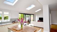 fenêtre VELUX montées sur le toit pour agrandir la maison