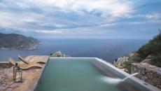 piscine avec vue sur mer chambres d'hôtes Grèce